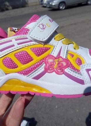 Кроссовки мигающие для принцесс!