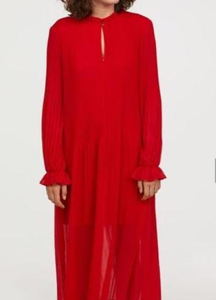 Шикарное платье плиссе от h&m
