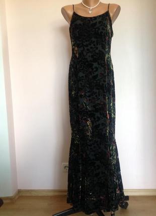 Длинное вечернее платье с бархатными цветами. /м- l/ brend consortium
