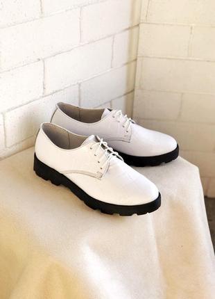 Туфли на шнурках, натуральная кожа , крокодил, белые 36-40