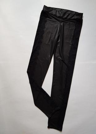 adfd94c958d80 Шикарные черные кожаные лосины с кружевом по боках,кожаные леггинсы штаны  без утепления