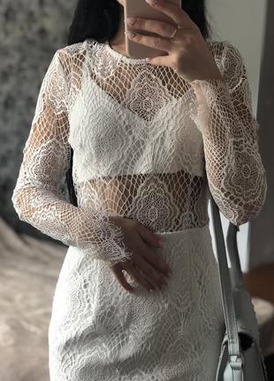 Платье кружевное