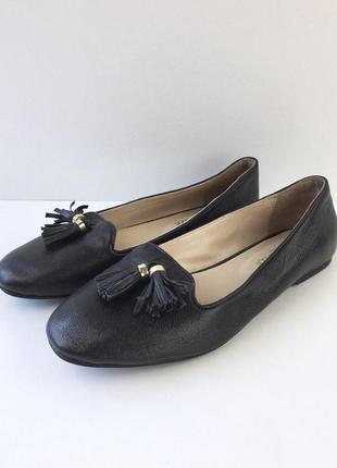 Кожаные туфли балетки на низком ходу