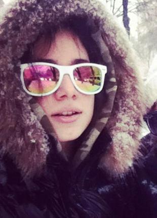 Зеркальные солнцезащитные очки, линзы хамелеоны, матовая оправа светло-розовая