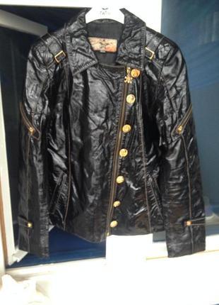Куртка из лакированной кожи