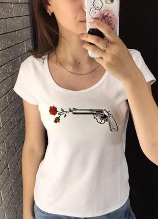 Женская футболка с принтом - выстрел, розы, футболка с рисунком2 фото