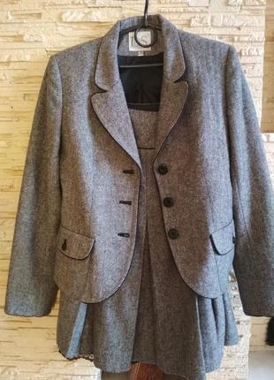 Твидовый костюм юбка и пиджак