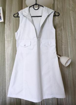 Хлопковое короткое мини платье с капюшоном голубое с пуговицами карманами