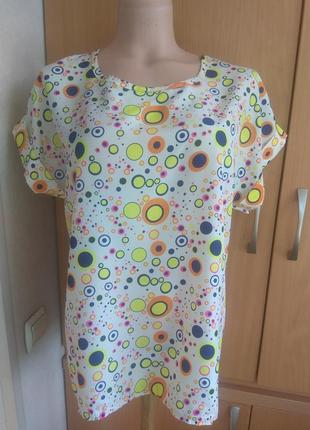 Яркая блуза, футболка