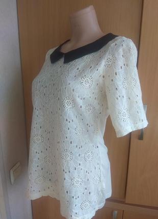 Блуза, футболка ажурная с черным воротом2 фото