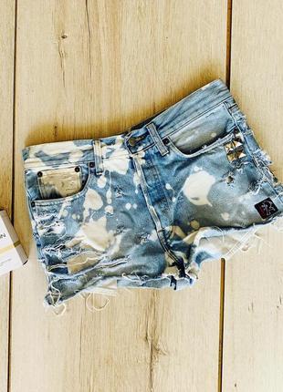 Шикарные джинсовые шорты