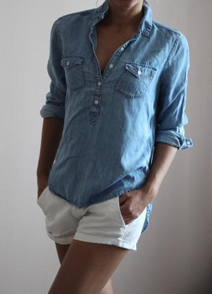 Светло-голубая джинсовая рубашка от abercrombie & fitch
