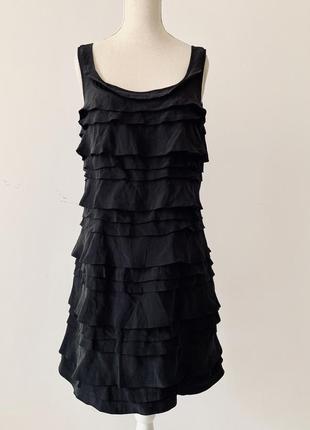 Кокетливое шелковое платье с рюшиками