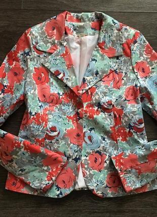 Цветочный яркий пиджак