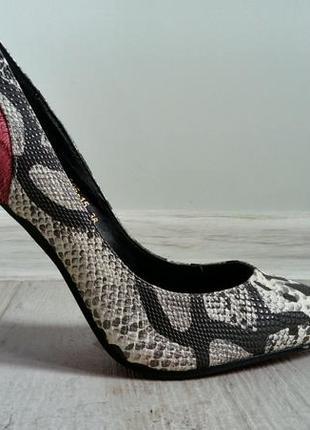 Смелые и утонченные змеиные туфельки2 фото