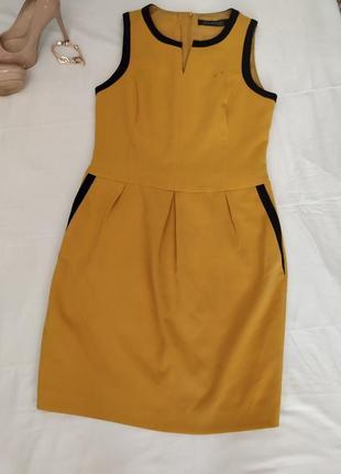 Прекрасное платье з плотной ткани на подкладке