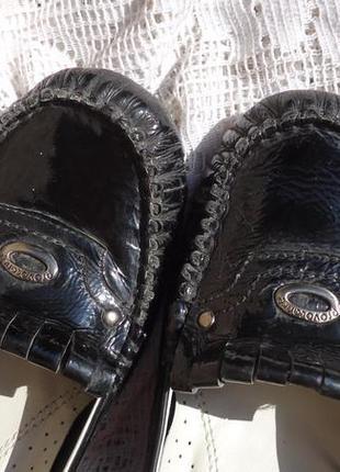 Мягкие кожаные туфли-лоферы-мокасины на каблуке (25см)