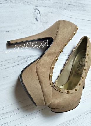Обалденные туфли под замш с шипами от new look 38 р.