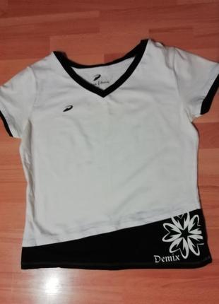 Белая спортивная блузка. длина 53 см