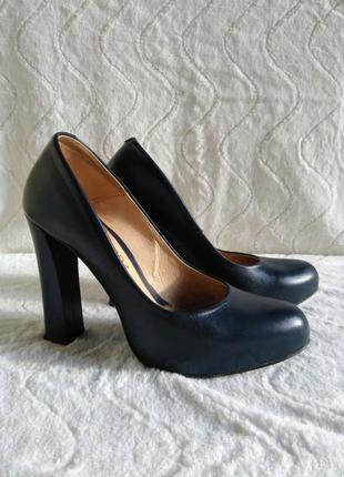 Шкіряні темно-сині туфлі bravo moda