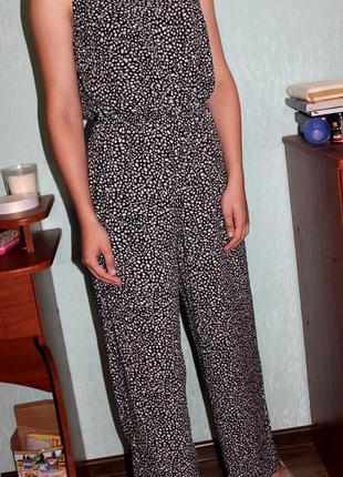 Комбинезон с актуальными штанами