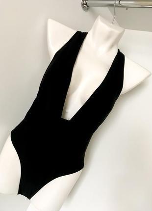 Чёрный сплошной слитный купальник декольте высокая посадка открытая спинка v вырез