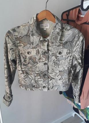 Укороченый джинсовый жакет пиджак комуфляж