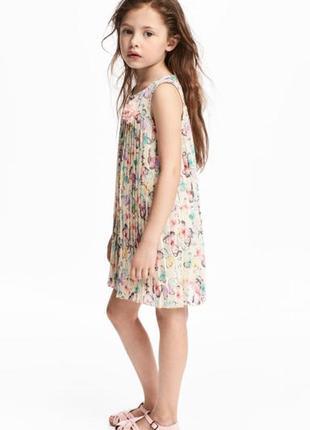 Нарядное платье плиссе h&m на 4-5 лет