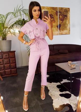 Розовый комбинезон в стиле милитари с большими карманами