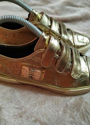 Guess классные золотые кеды кроссовки 23 см