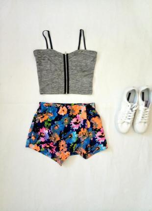Трикотажные юбка-шорты с запахом спереди
