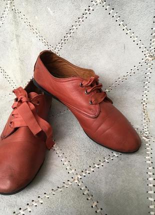Кожаные невесомые туфли р.37   от stefani