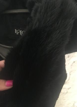 Шуба натуральная мутоновая со вставками норки