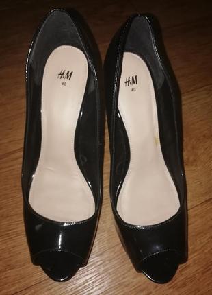 Туфли h&m лаковые