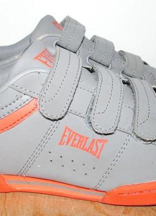 Отличные кроссовки everlast