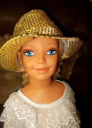 Блестящая маскарадная шляпа в стиле диско