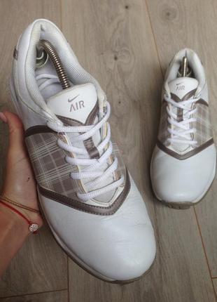 Кроссовки белые nike кожаные  р. 38.5