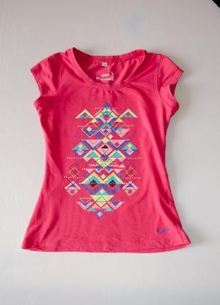 Яркая розовая футболка termit с разноцветным графическим рисунком