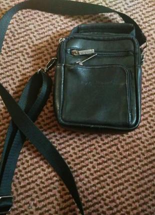 Маленькая кожанная сумка