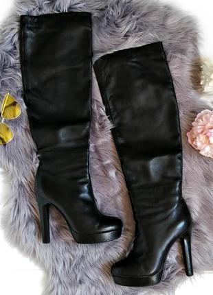 Шикарные высокие кожаные сапоги