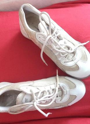 Брендовые бомбезные кроссовки