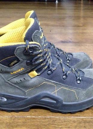 Треккинговые ботинки lowa  р. 35