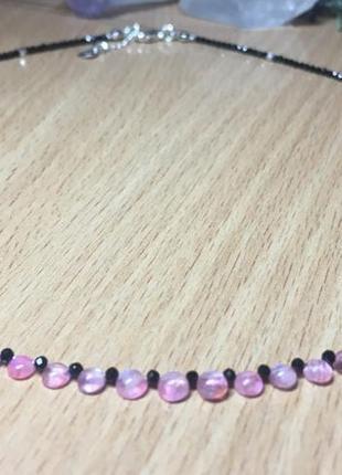 Колье чокер из розового лунного камня, шпинели и серебра, натуральные камни