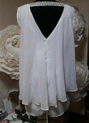 Блуза с красивой спинкой и шлейфом