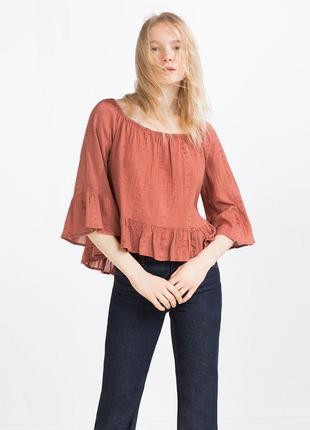 Очень красивая блуза на плечиках с вышивкой от zara рр xs наш 42