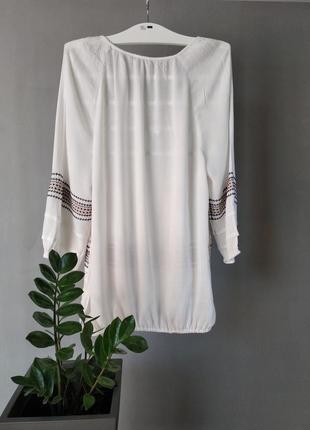 Очень красивая блуза с вышивкой2 фото