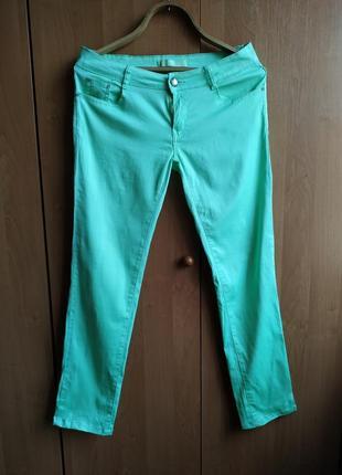 Летние холодно-салатовые легкие джинсы- стрейч