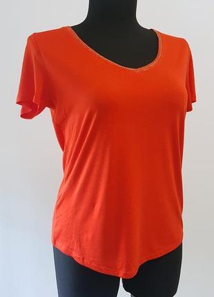 Нарядная трикотажная блузка футболка