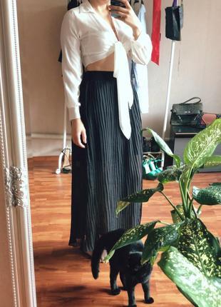 Черная юбка плиссе