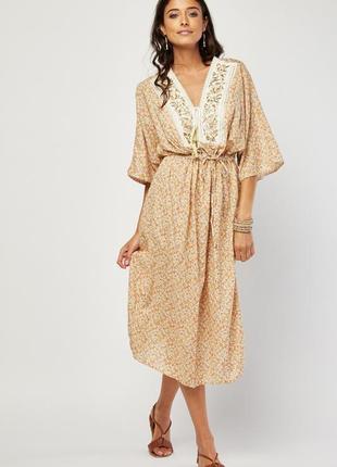 Платье миди с вышивкой и принтом  oversized